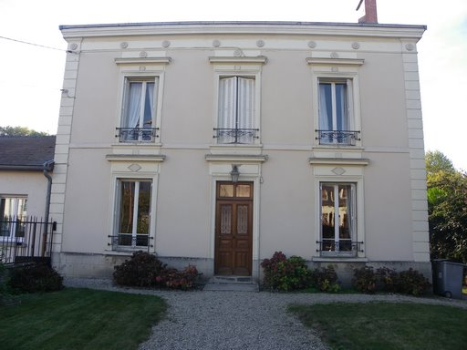 BELLE DEMEURE BOURGEOISE A CHALONS EN CHAMPAGNE (51)