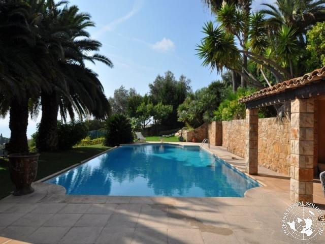 NICE : Villa avec piscine