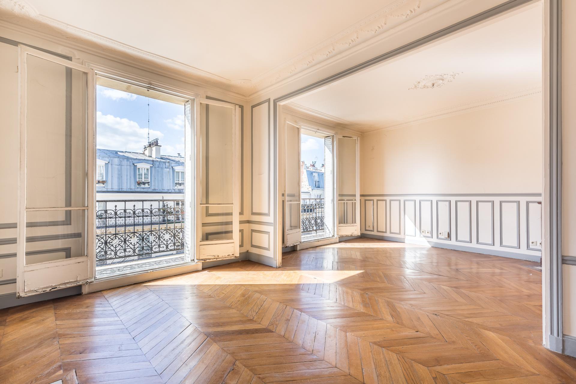 PARIS 18EME - MAIRIE DU 18EME - RUE ORDENER - APPARTEMENT FAMILIAL TROIS CHAMBRES - BALCON FILANT