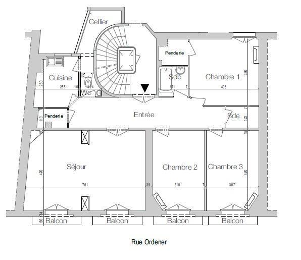 PARIS 18EME - MAIRIE DU 18EME / RUE ORDENER - APPARTEMENT FAMILIAL