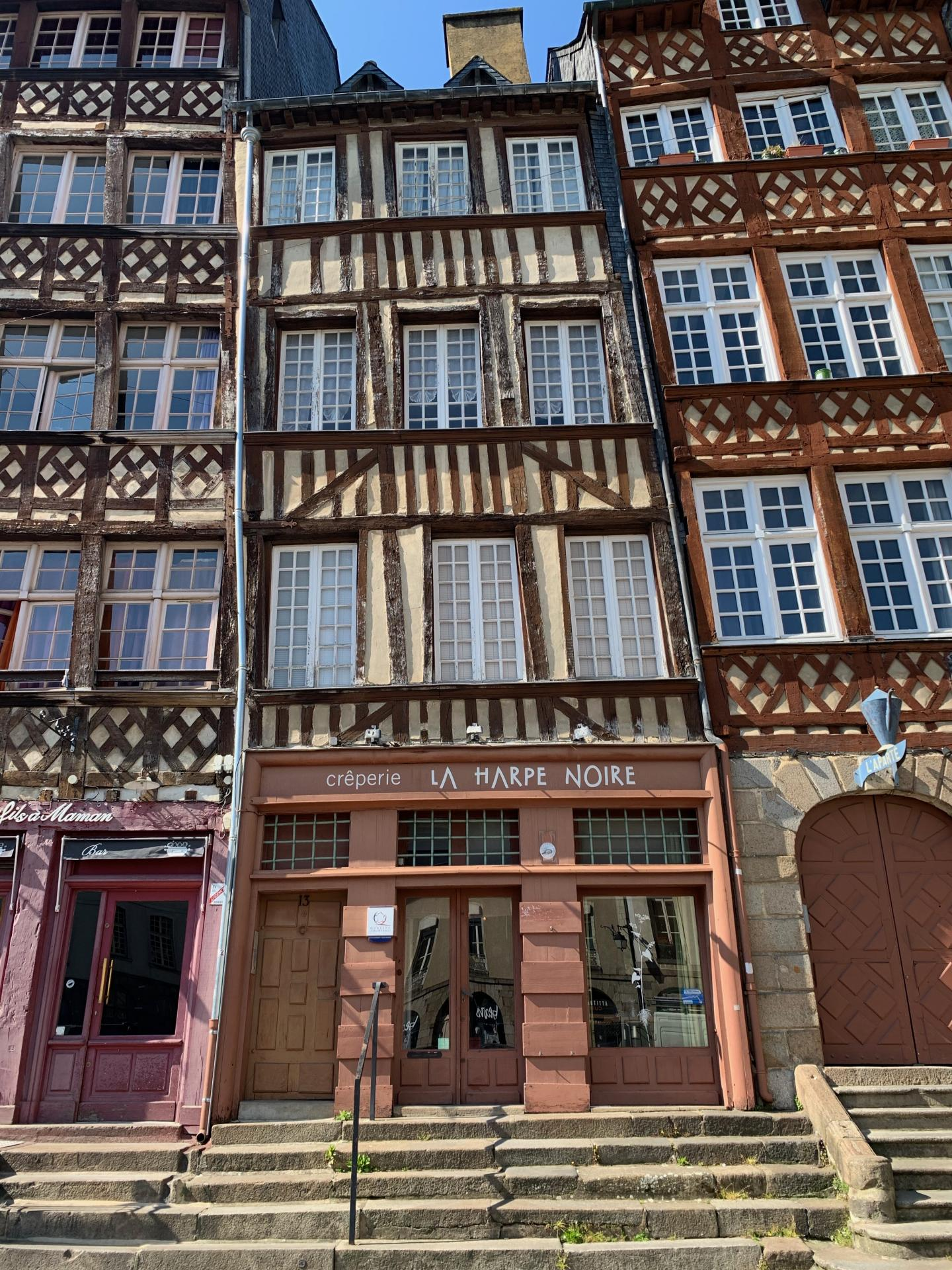 Creperie dans le centre historique de Rennes (Murs et Fonds)