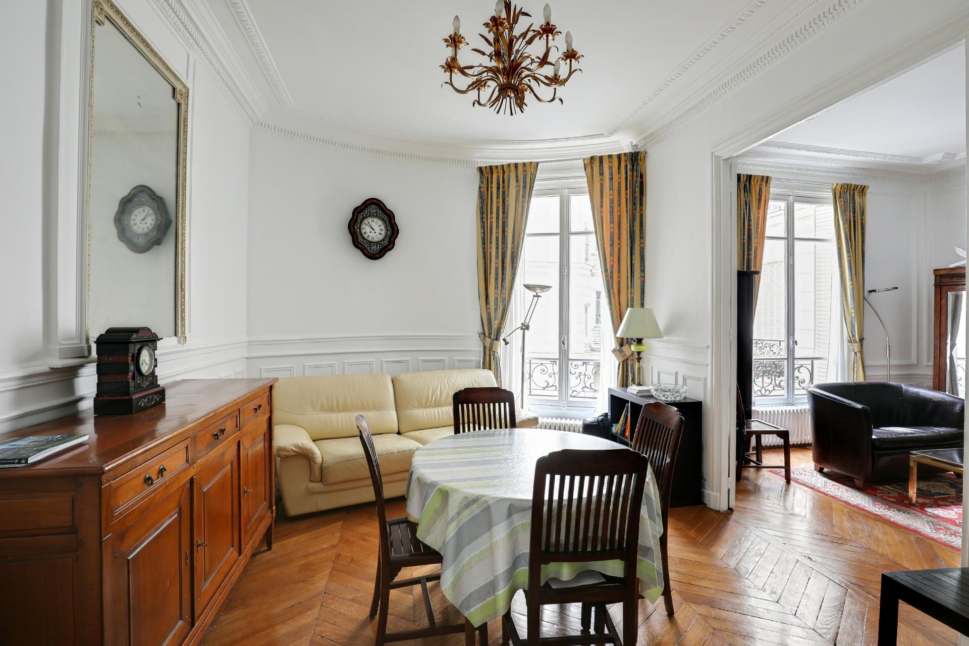 PARIS 16ème, rue Marbeau, appartement 99m², possibilité professions libérales