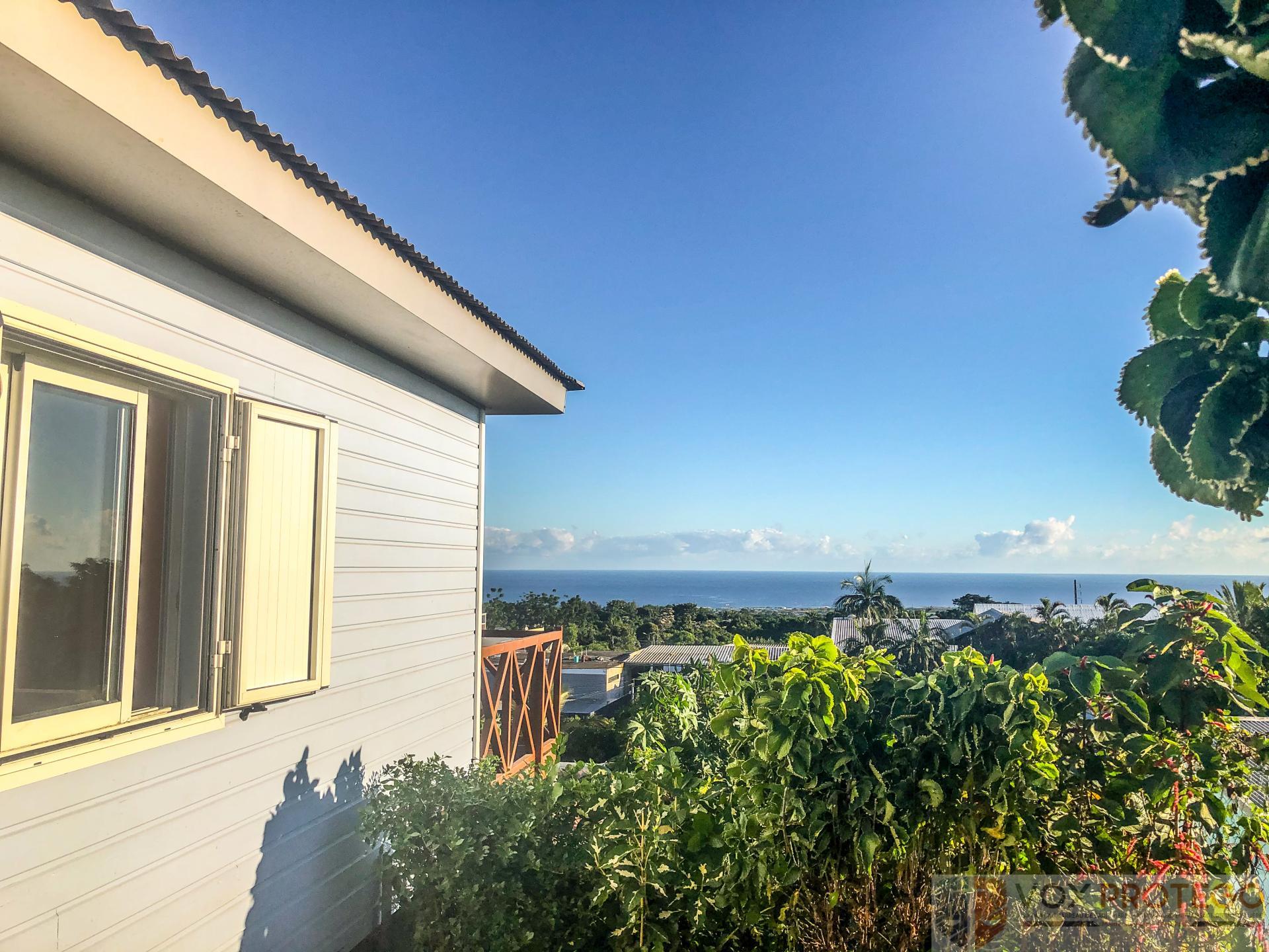 Maison type studio au centre de la Ravine des Cabris (ST PIERRE, Réunion)