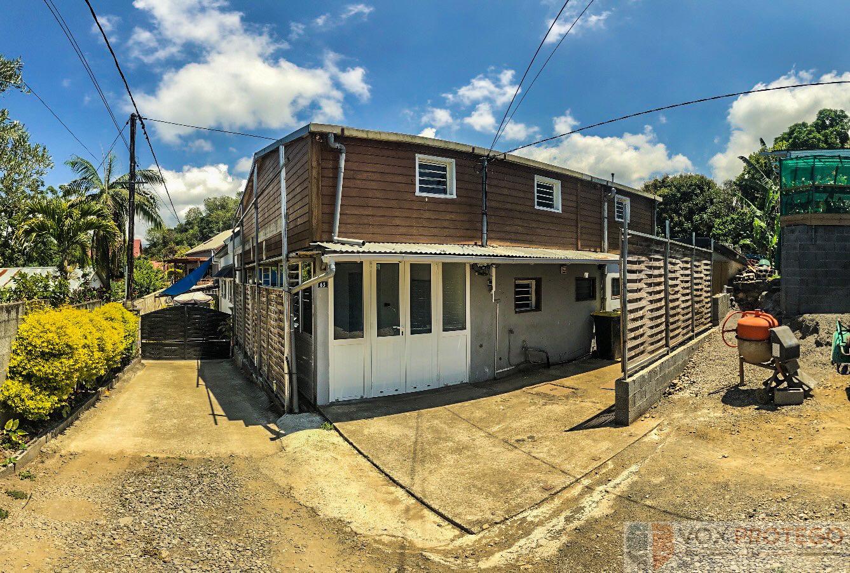 Maison 100 m2 sur petite parcelle - Tampon Trois Mares (Réunion)