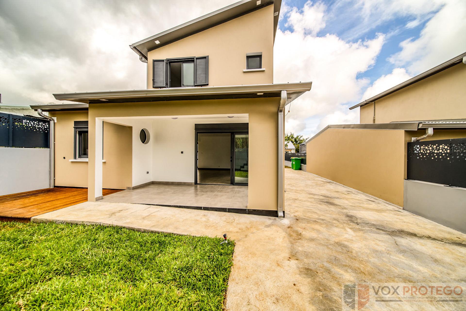 Deux Maisons neuves F4 à Saint Pierre, Montvert (Réunion)