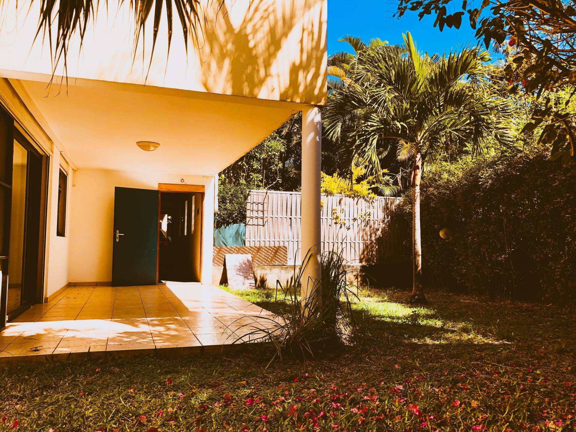 Appartement T3 en rez-de-jardin à Terre Sainte (SAINT PIERRE - Réunion)