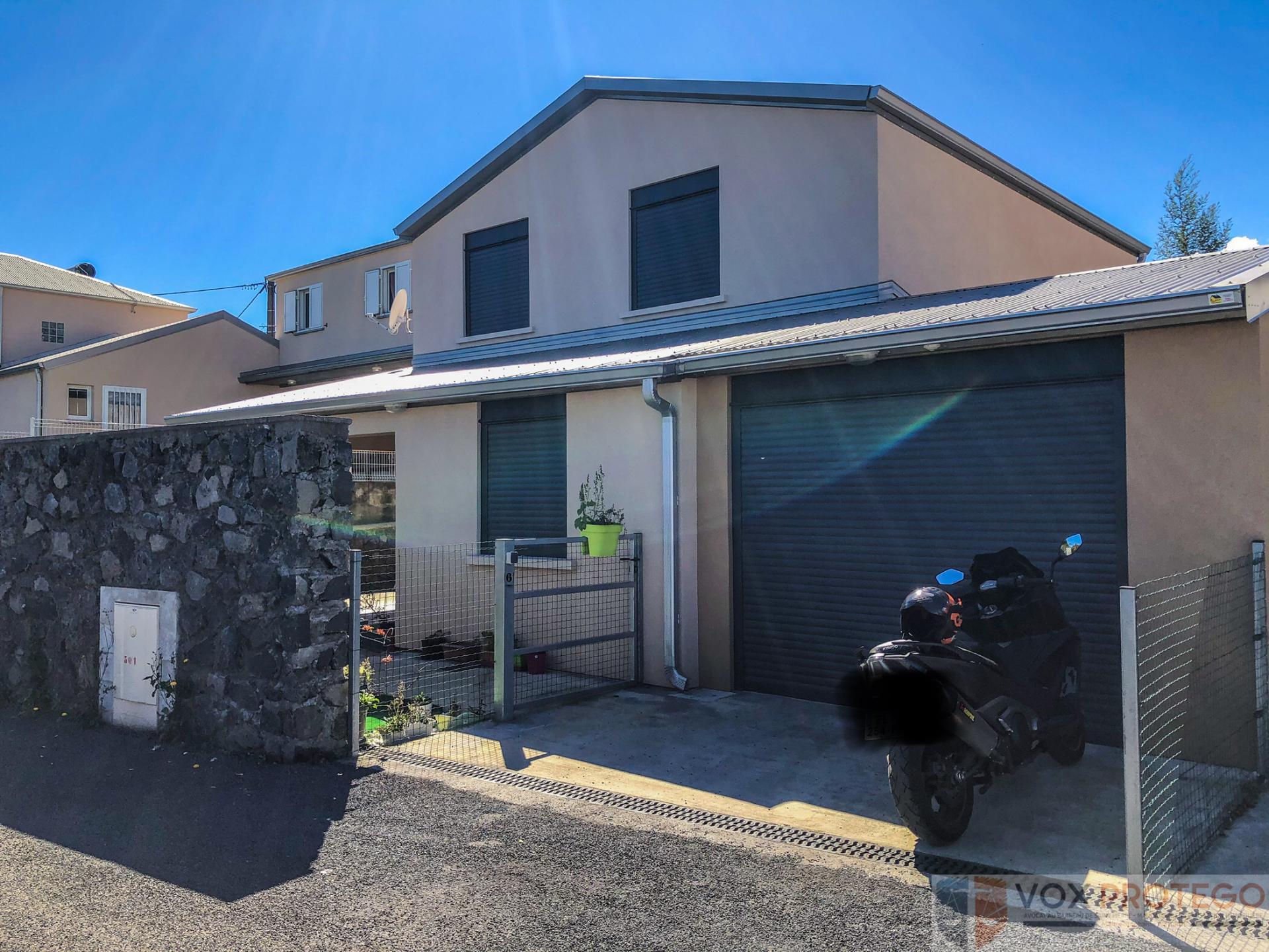 Villa F4 avec garage fermé secteur Plaine des Cafres (Réunion)