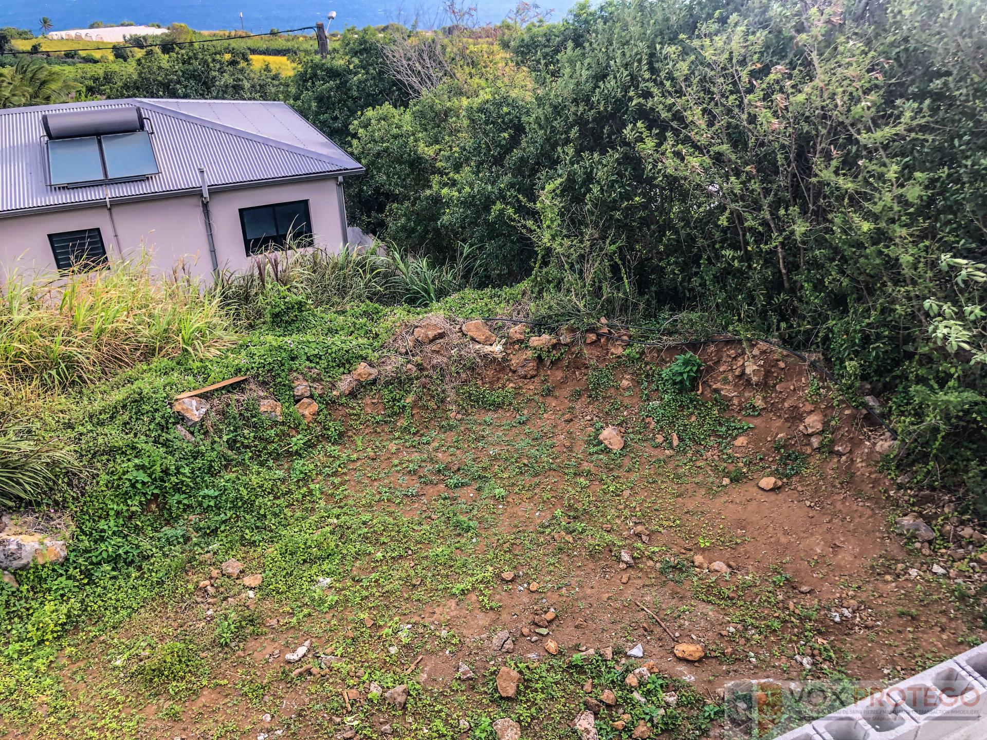 Terrain à bâtir de 394 m2 à Petite-Ile (Réunion)