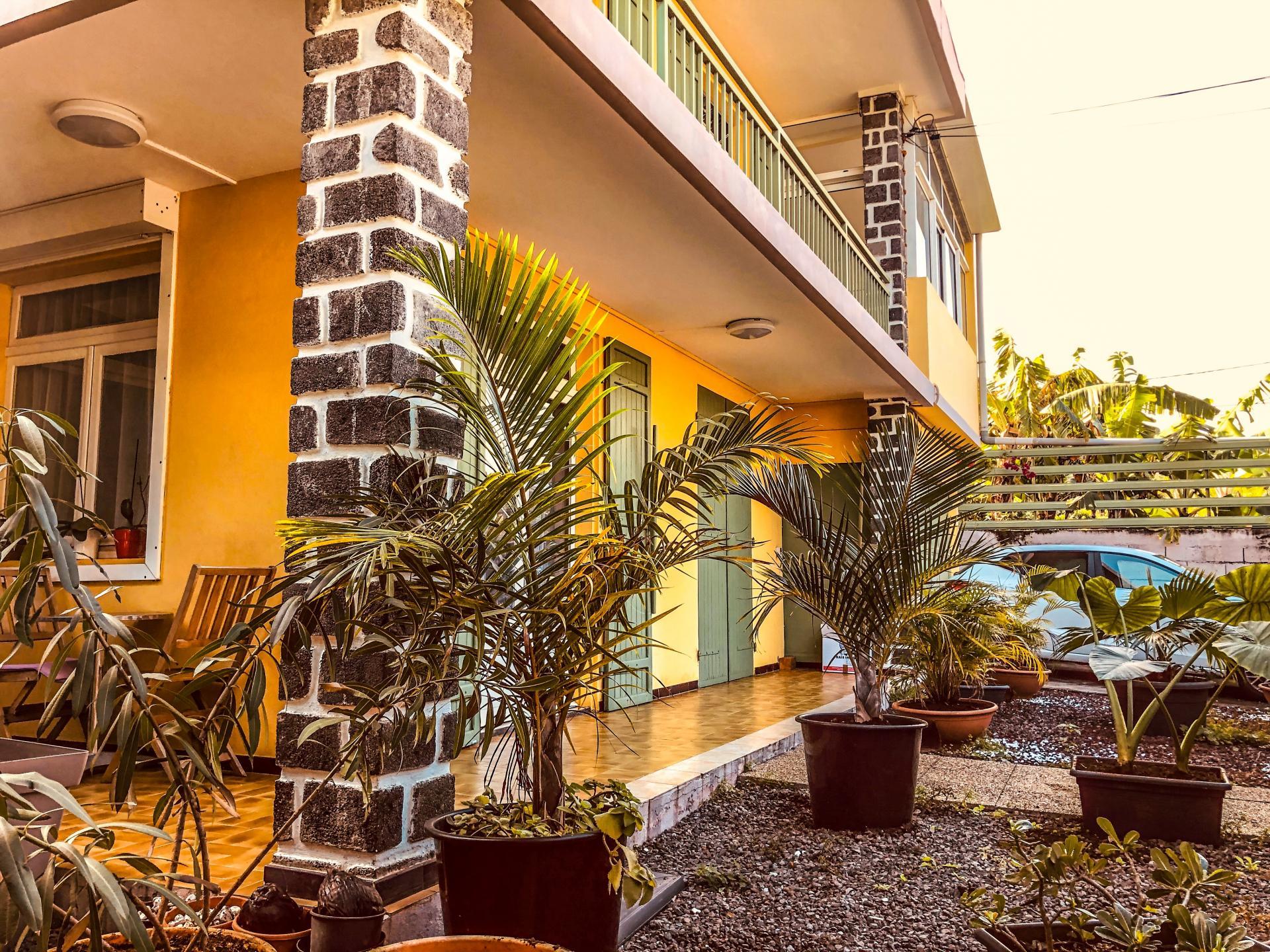 Maison F4  RAVINE DES CABRIS - SAINT PIERRE (Réunion)