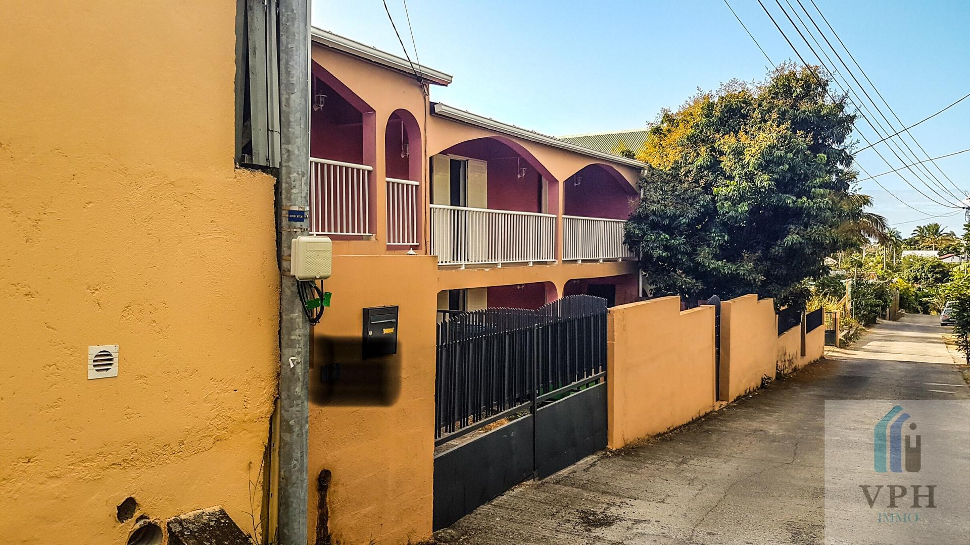 Maison F7 A SAINT GILLES LES HAUTS (Réunion)