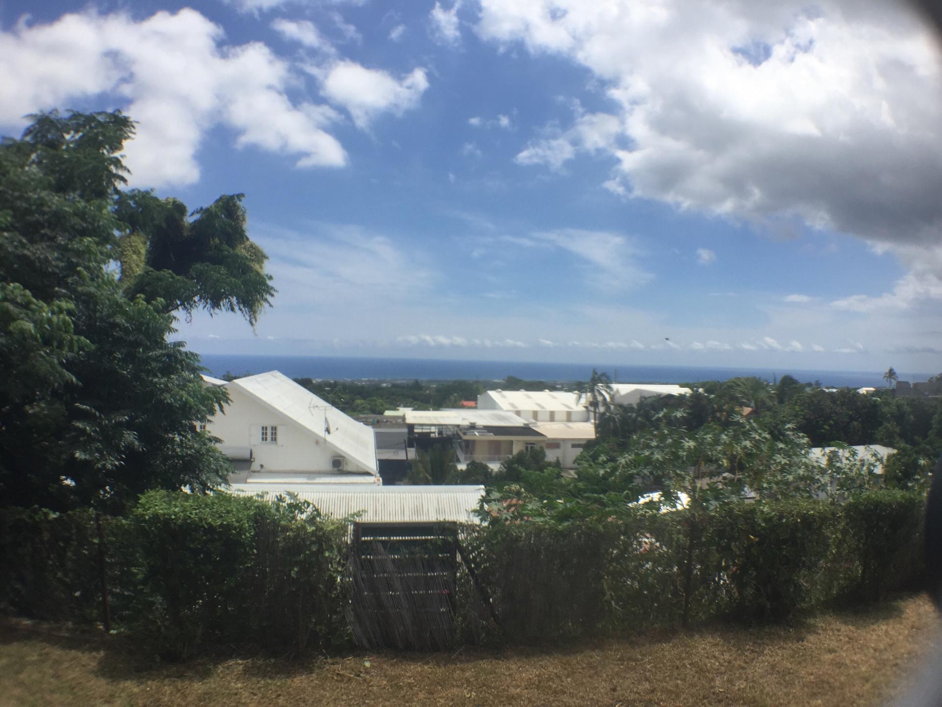 Maison avec vue mer sur Saint Pierre