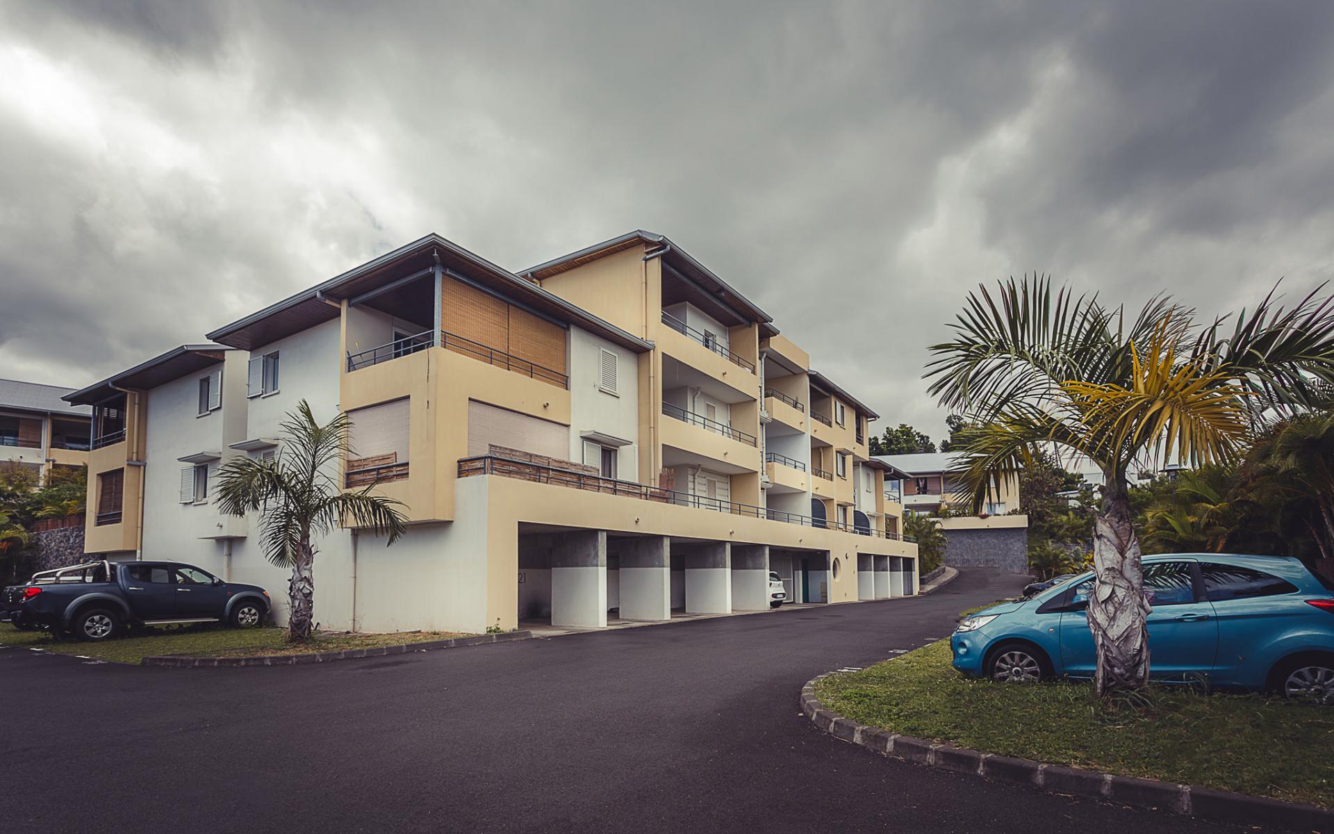 Appartement en rez-de-jardin à SAINT PIERRE (Réunion)