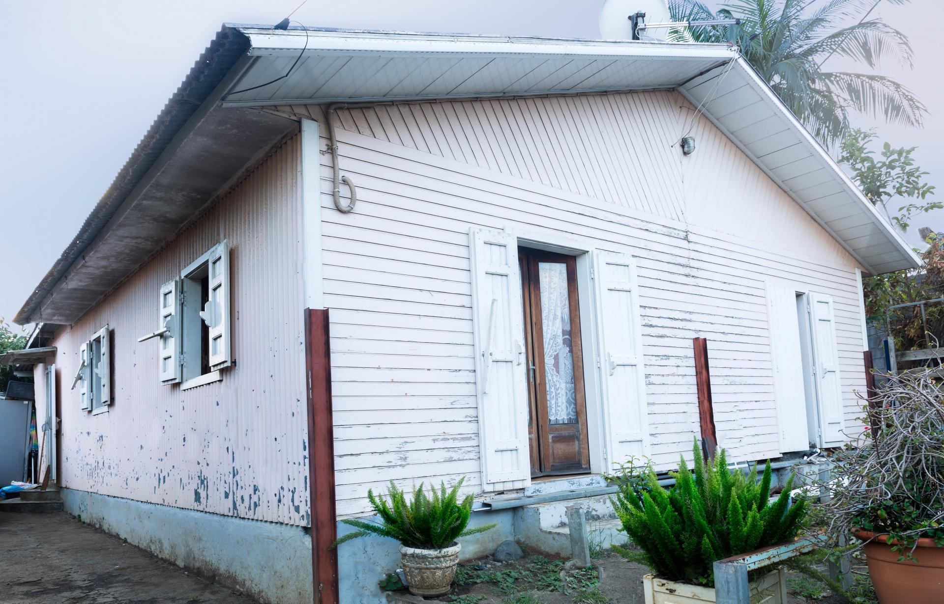 Terrain à bâtir ou maison à rénover