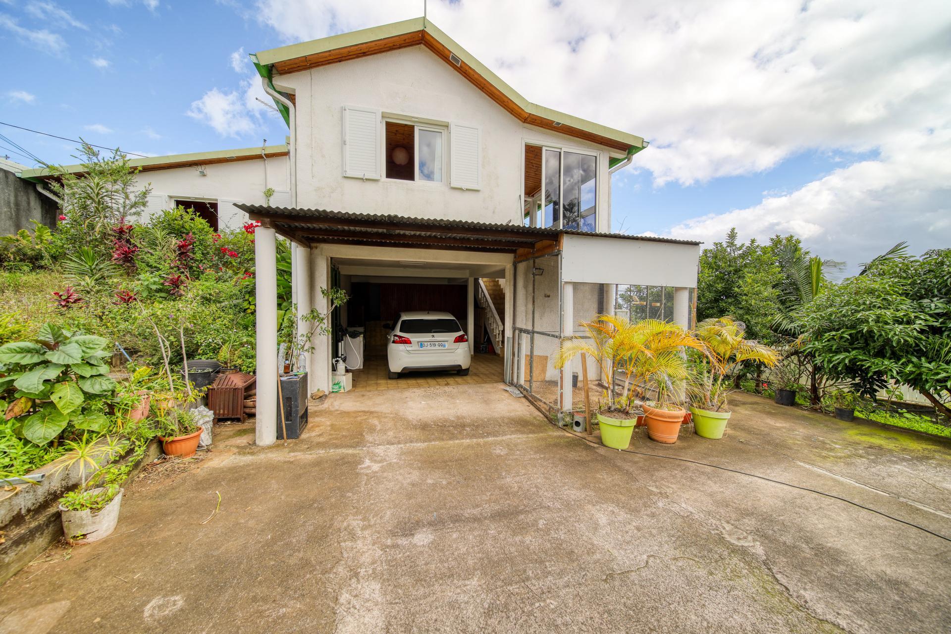 Maison F5 sur Bras de Pontho - Tampon (Réunion