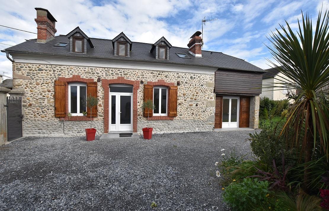 Maison 5 pièces de 134 m² – Bénéjacq (64800)
