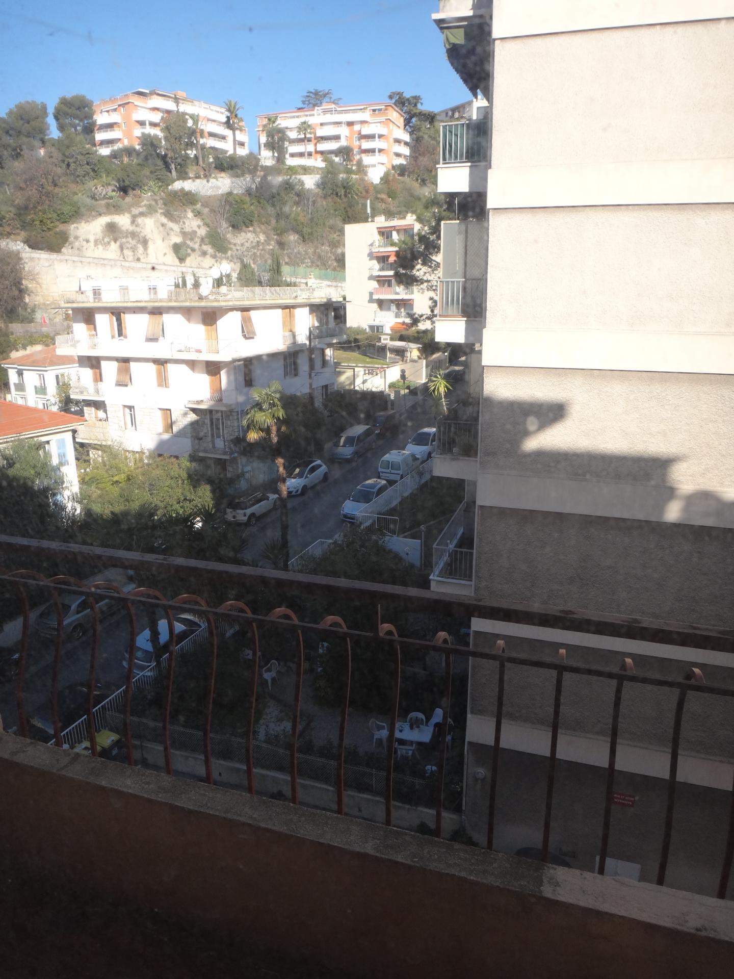 Appartement libre 3 pièces, 58m2, à Nice centre nord