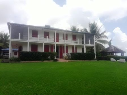 MARTINIQUE-Villa style colonial avec splendide vue