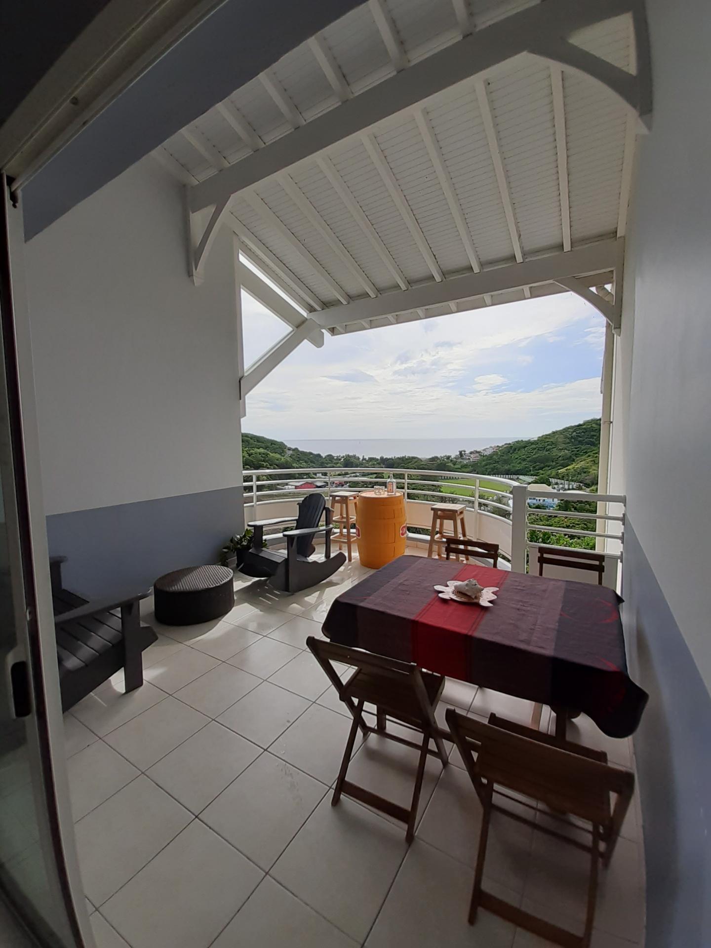 Appartement T3 de 65,37 m² à vendre au CARBET vue mer - très bon rendement location saisonnière - Prix honoraires inclus 237.600,00 euros
