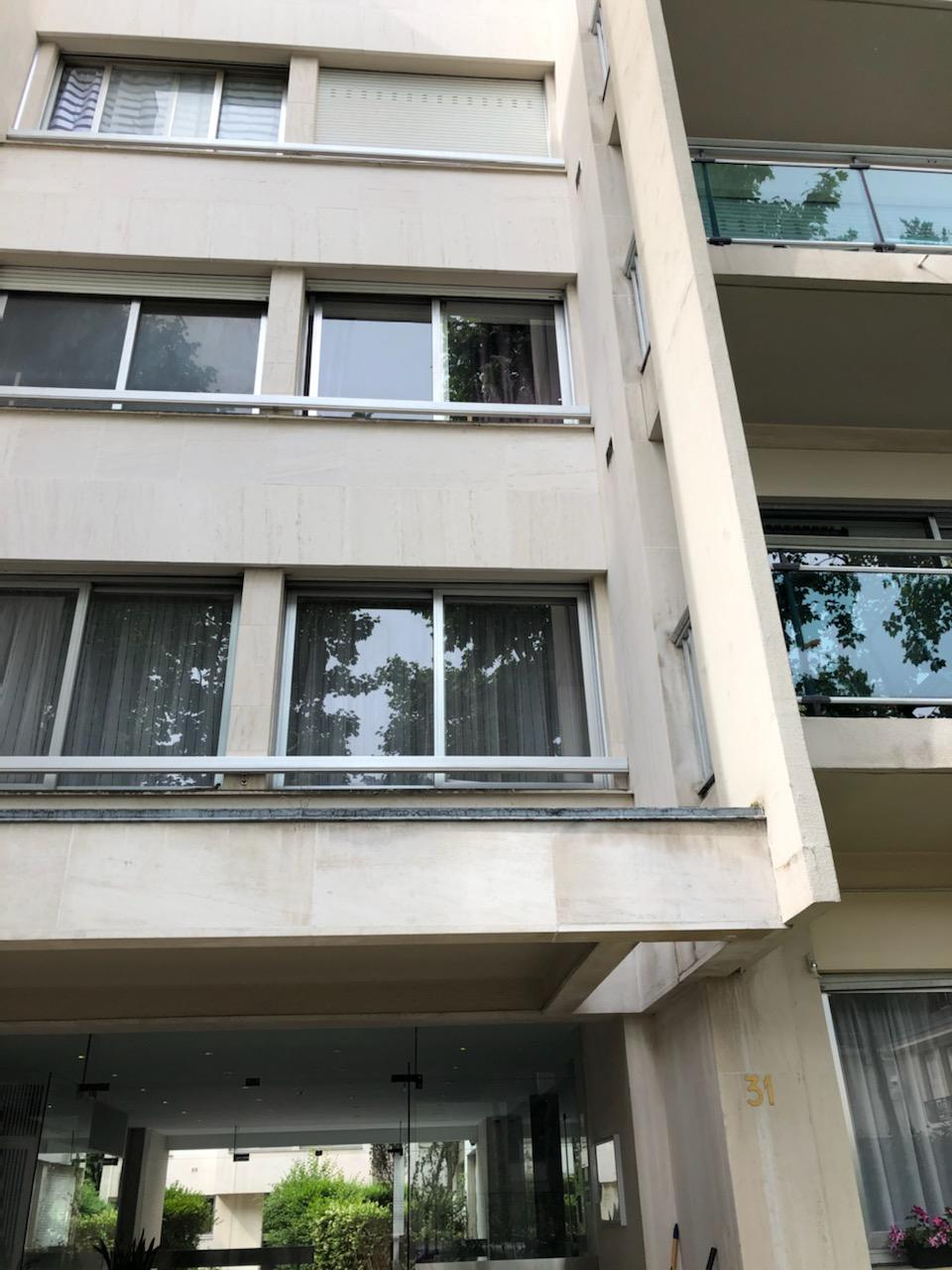 chambre aménagée -3é etage -claire -sur rue calme- ascenseur