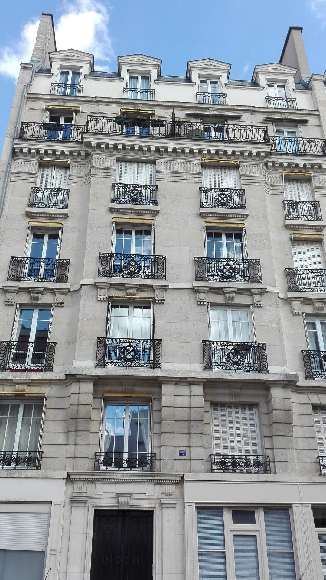 Vente d'un studio de 17 m² - rue Bargue - 75015 PARIS