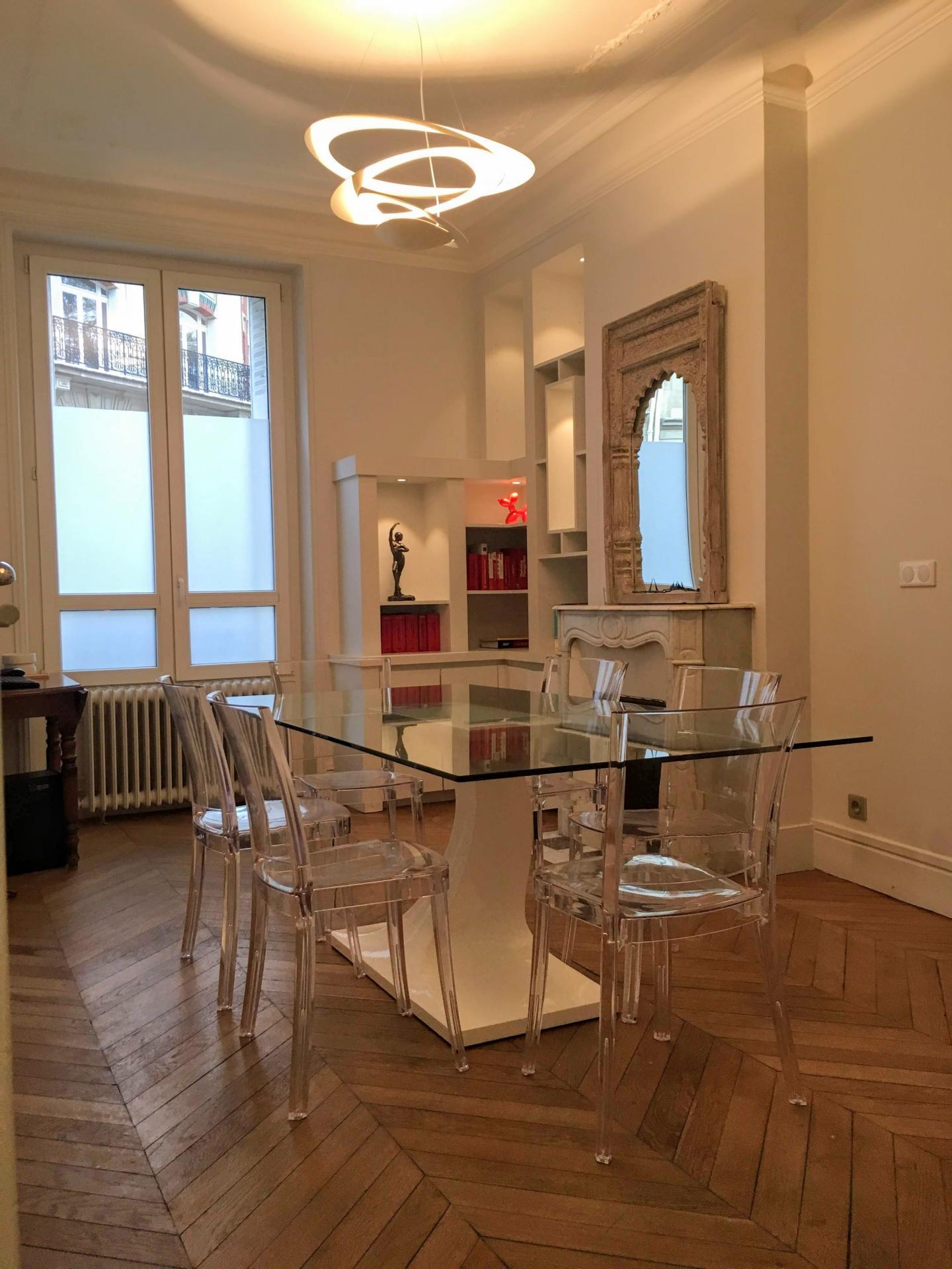 Appartement/bureau prof lib 5 pièces 86m2 Pont de Neuilly