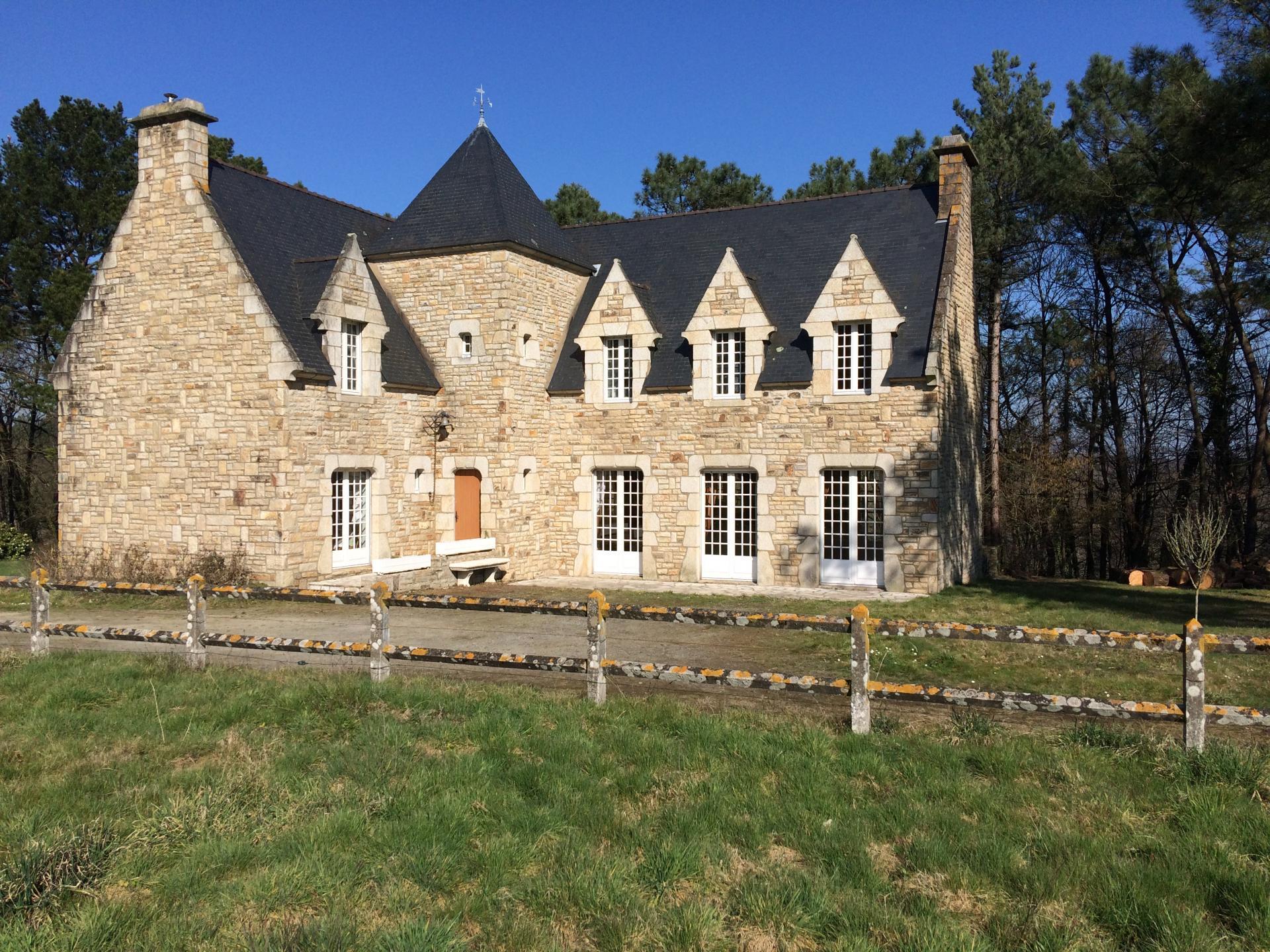 Belle propriété à Questembert  (Morbihan)  à 20 minutes de la mer, 20 minutes de Vannes