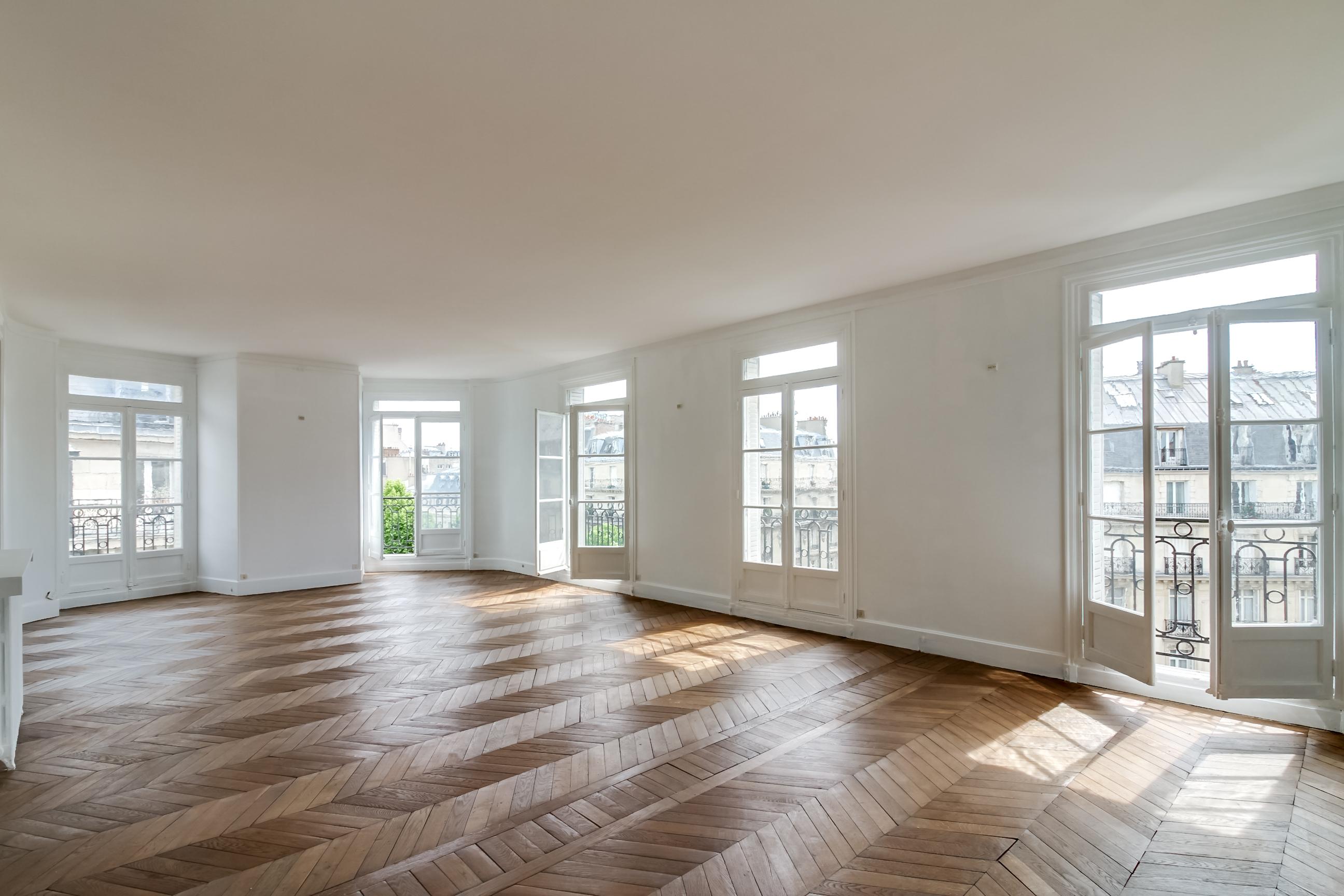 PARIS 16ème Kléber. Appartement de prestige  aux volumes généreux dans un bel immeuble Haussmannien de grand standing