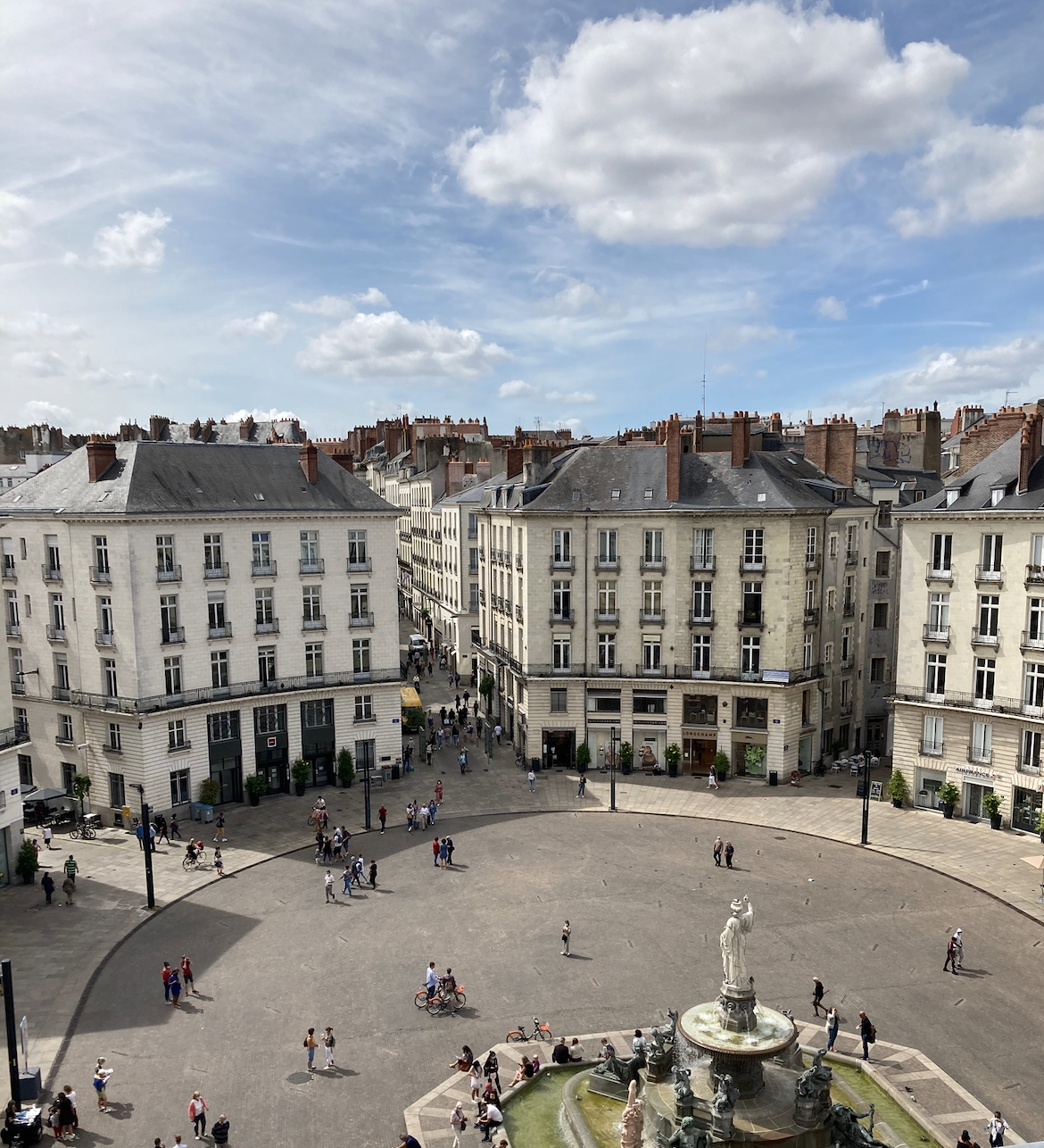 PLACE ROYALE – HYPER CENTRE-VILLE DE NANTES - VENTE APPARTEMENT T3 (USAGE MIXTE)
