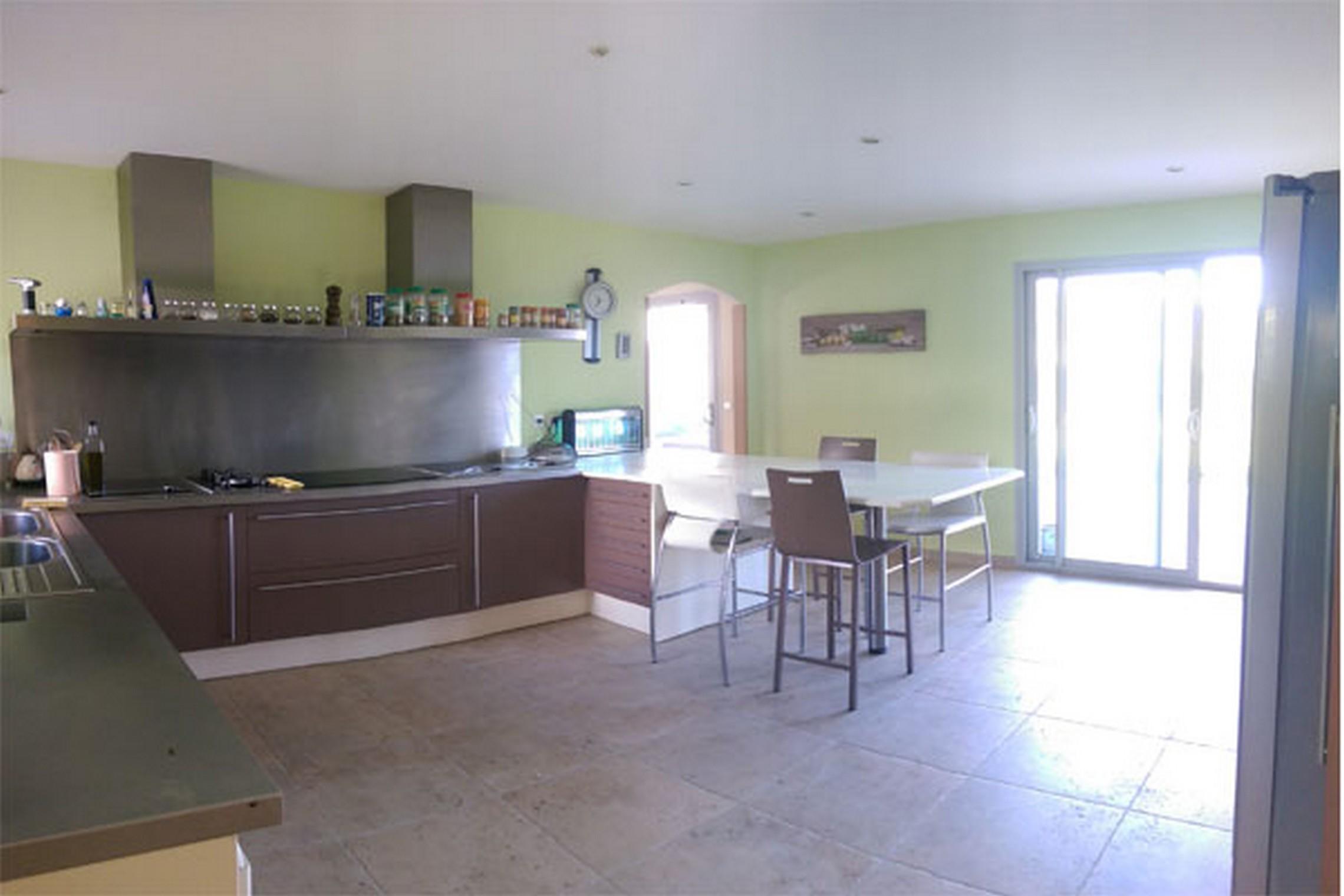 Villa Exceptionnelle de 8 chambres sur 4200 m² de terrain avec piscine et spa