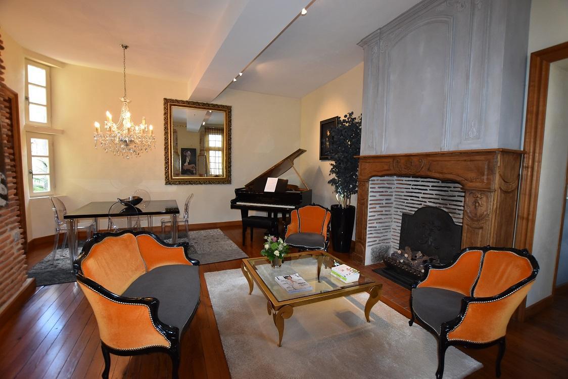 Appartement 7 pièces 170 m² - Quartier historique Château de PAU (64)