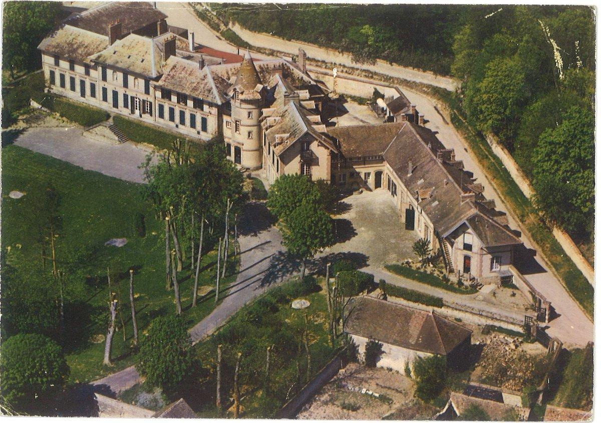 Vallery - Château du début 19ème siècle - Limite Seine-et-Marne et Yonne
