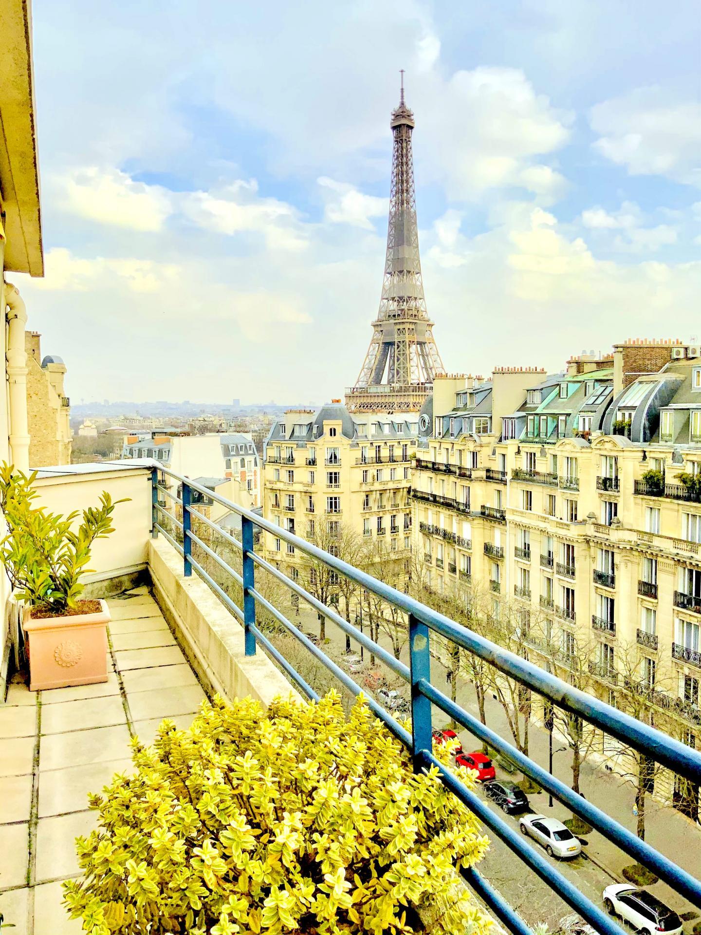 Paris 16 – Métro Passy – Place du Costa Rica – à vendre nue-propriété - viager appartement 53,21m2 occupé par une dame de 88 ans.