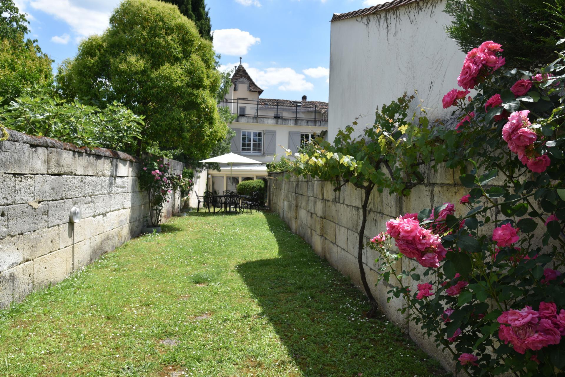 Maison de ville Angouleme 5 chambres 240 m2