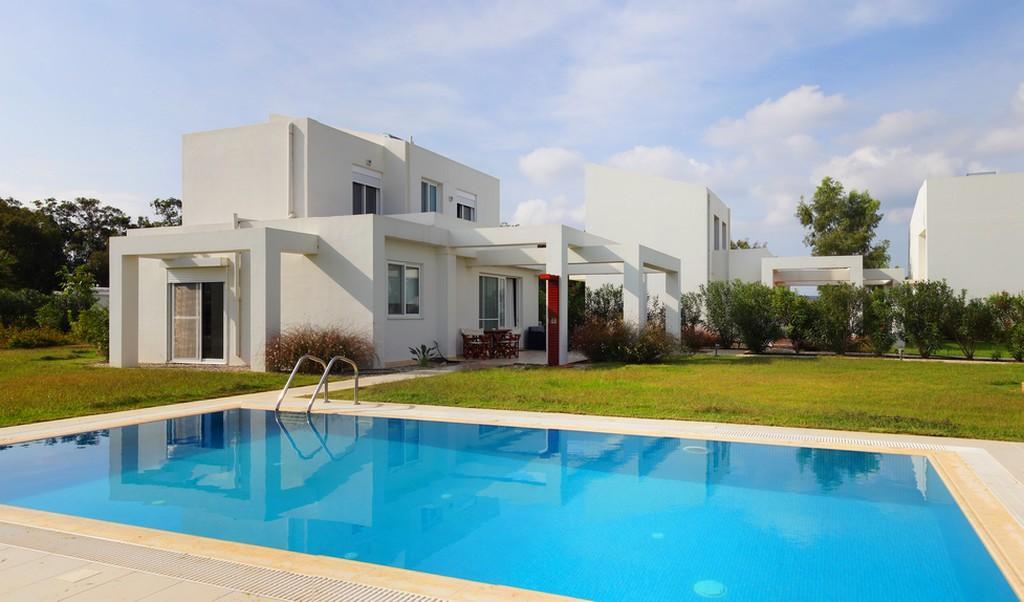 GRECE - PELOPONNESE  : 17 villas en bord de plage - vente groupée pour investisseur