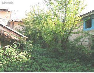 BOURESSE, A RÉNOVER, ensemble de 3 corps de bâtiments d'habitation à rénover avec grange