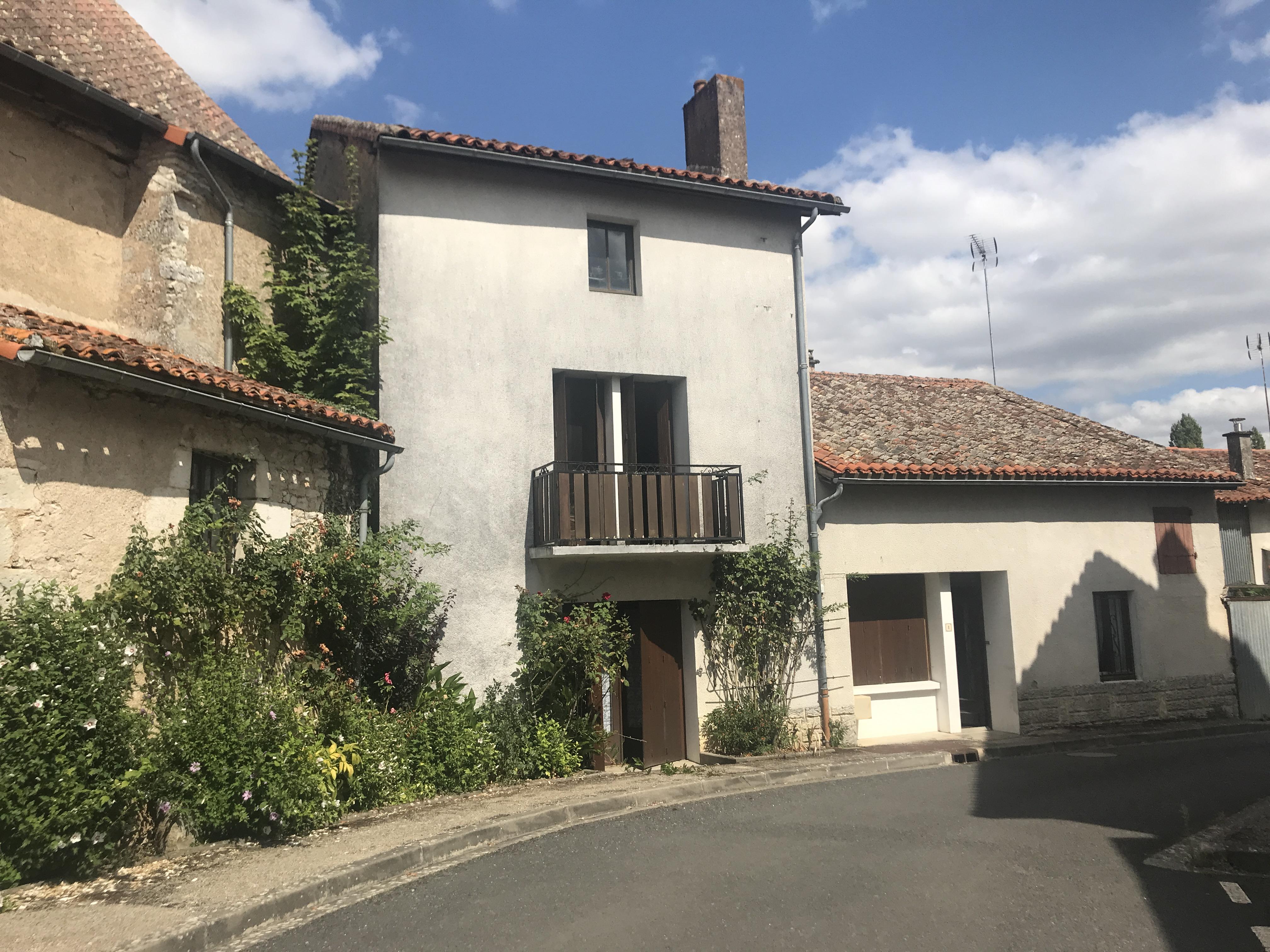 Saint Martin l'Ars, Maison de Bourg