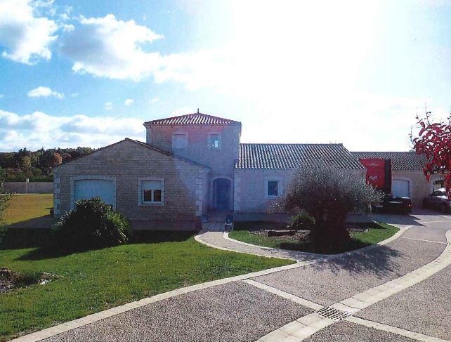 Maison à Saint Julien l'Ars (17.0180)